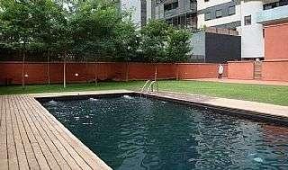 Piso  Carrer cristobal de moura. Piso exterior y con piscina en el manhattan de bcn