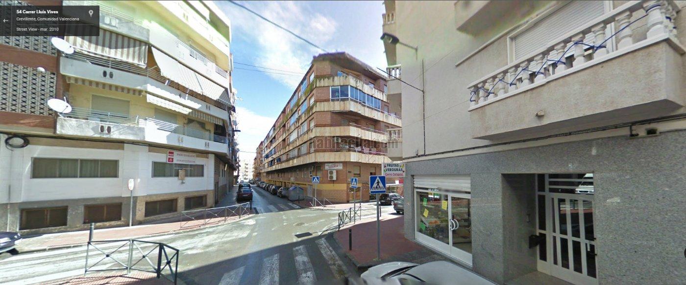 Piso por en calle lluis vives seminuevo con plaza for Se alquila plaza de garaje