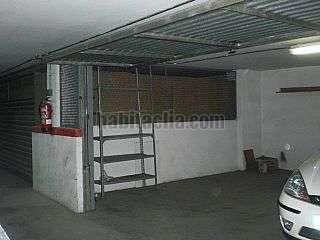 Aparcament cotxe a Carrer esperanto,19. Plaza parking cerrada zona piscina Molins de Rei