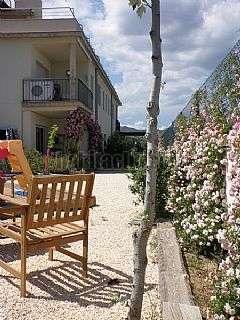 Piso en Vilaju�ga,22. Apartamento con jardin a 5 minutos de la playa