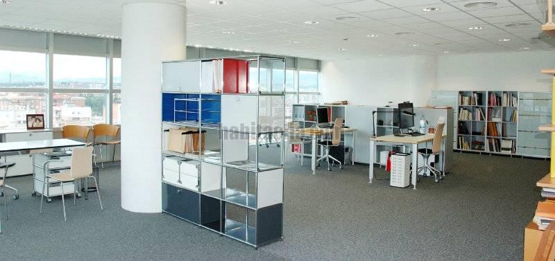 Oficina por en avinguda francesc macia torre for Oficina correos sabadell