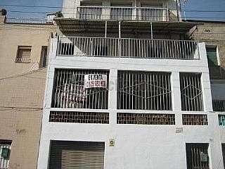 Casa en Travess�a barcelona,43. Ocasi�n, casa con tres viviendas independientes.