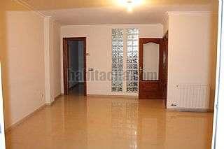 Piso en Llevant,70. Amplio y luminoso piso, buenas calidades