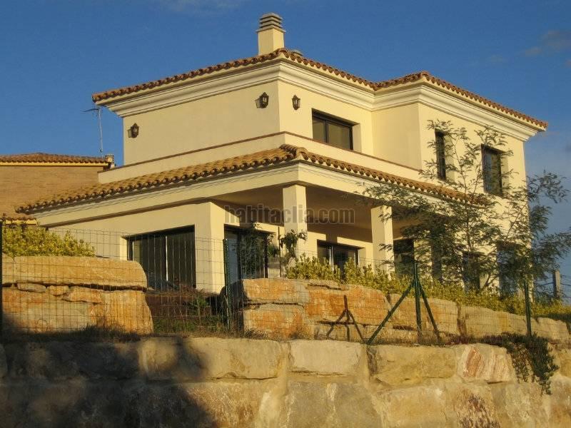 Casa por en carrer lliri en vidreres habitaclia - Muros de rocalla ...