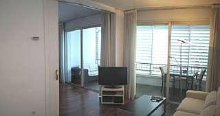Apartamento en Avinguda pedralbes,16. Habitaci�n suite con sal�n, cocina, ba�o y terraza