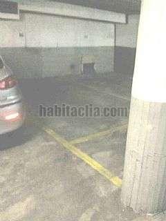 Parking coche en Calle egara,160. Plaza mediana sin maniobra,