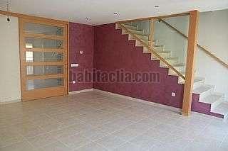 Casa adossada a Carrer bonaire,30. Nova, acabats alta qualitat, lluminosa i espaiosa