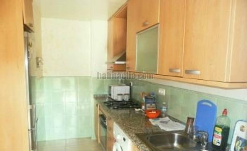 Foto cocina. Piso en Avinguda Anglaterra estado del buen estado. construido en 2005. en Calafell