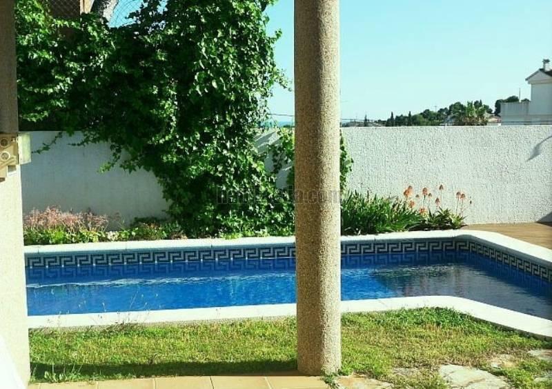 Foto piscina. Piso en Avinguda Anglaterra en Mas mel Segur de Calafell