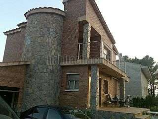 Casa en Carrer olivera, s/n. Recien reformado los suelos de las dos planta.