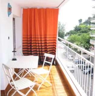 Lloguer Apartament a Carrer puig de popa,6. Piso de 80m2, 2 hab. todo exterior y gran balcón