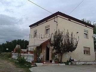 Finca r�stica en Balafia,119. Casa de 2 plantas con terreno en lleida.bus urbano