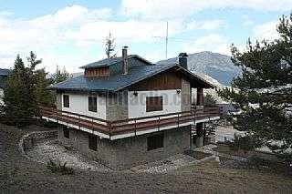 Casa in Avinguda port del comte,33. Magnífico chalet de 170 m2 + parcela 700 m2