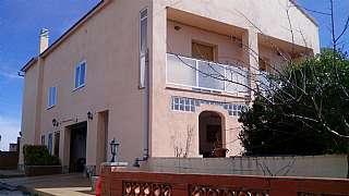 Torre en Carrer olivera,18. Es para dos familias, plena naturaleza.