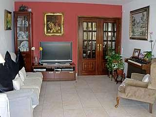 Piso en Carrer tarragona,26. 3 h-cocina , 2 salones grandes, comedor, ba�o, sol