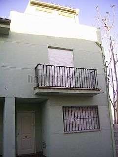 Casa adosada en Calle pintor ribera,10. Casa nueva en baza