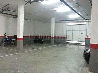 Parking coche en Carrer via lactia,14. Entrada por eduard fontser�