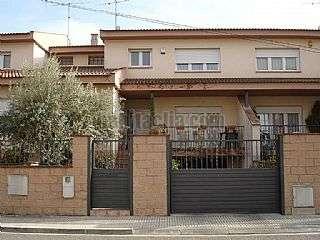 Casa adosada en Carrer mallola (la),8