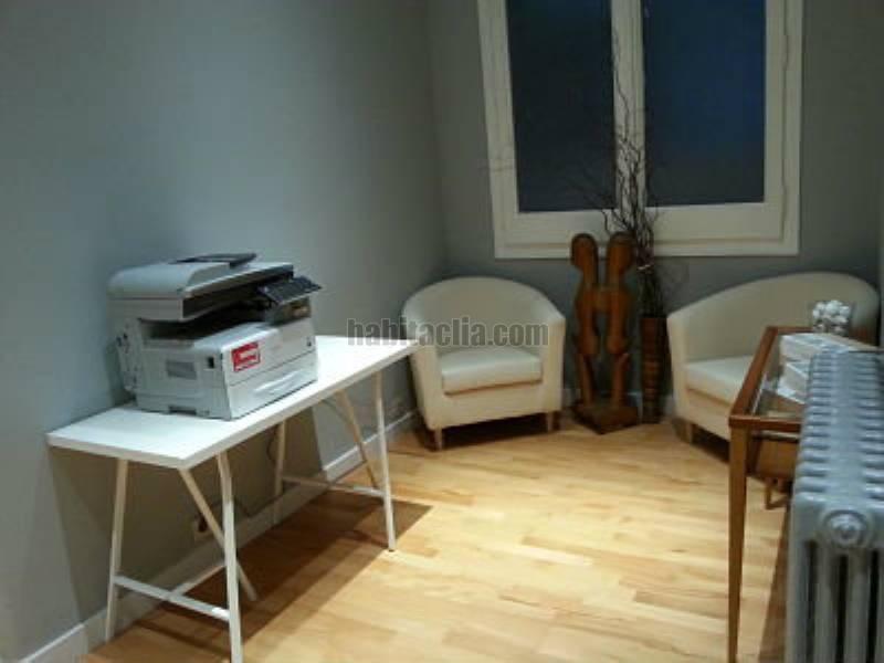 Alquiler oficina por 610 en carrer balmes muy luminosa for Muebles de oficina barcelona