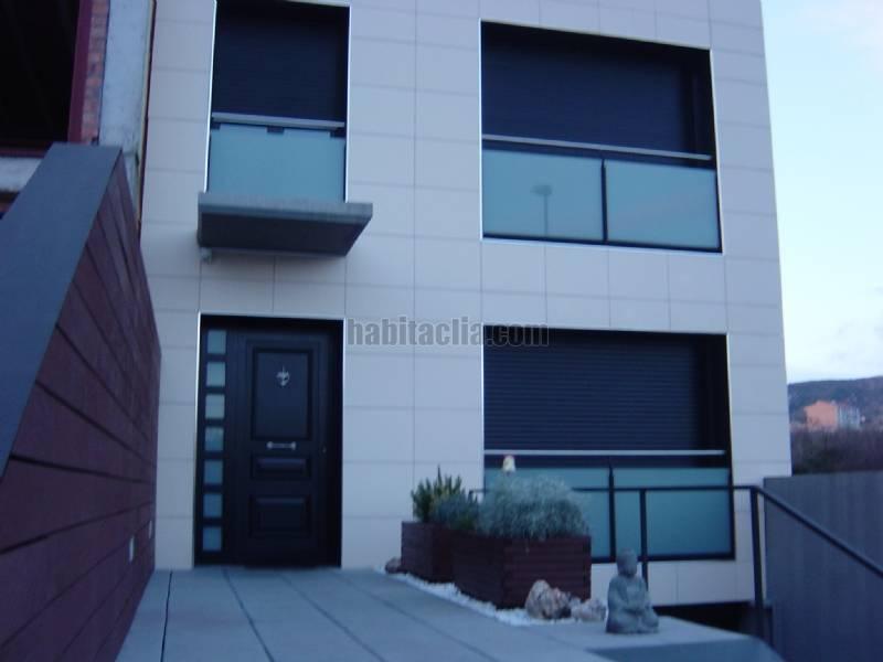 Casa adosada por 345.000 € de 220 metros san jaume,23 casa para ...