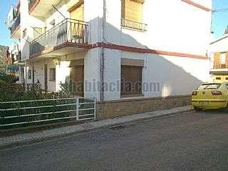 Planta baja en Carrer montserrat, 3. Planta baixa amb 2 terrasses i garatge independent