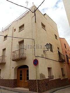 Alquiler Casa en Carrer prat de la riba (de),12. Casa c�ntrica precio excepcional
