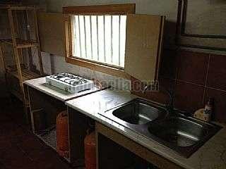 Casa adosada en Carrer andalucia,353. Urge vender, economica , negociables