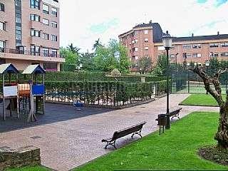 Alquiler Piso en Calle jose manuel fuente,9. 2 piscinas,2 pistas de padel y parking incluido