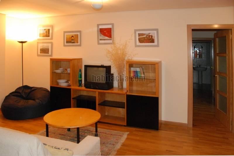 Alquiler piso por 400 en calle blanca de navarra nuevo for Pisos alquiler tudela navarra