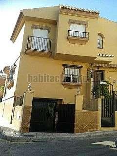 Casa en Calle cruz de san anton, 26. Casa en venta en la zubia en muy buen estado