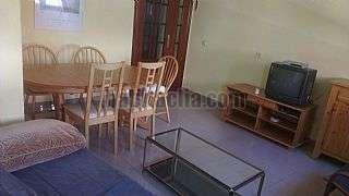 Alquiler Casa  Calle guadarrama, 19. Casa muy bien situada en el centro de villaviciosa