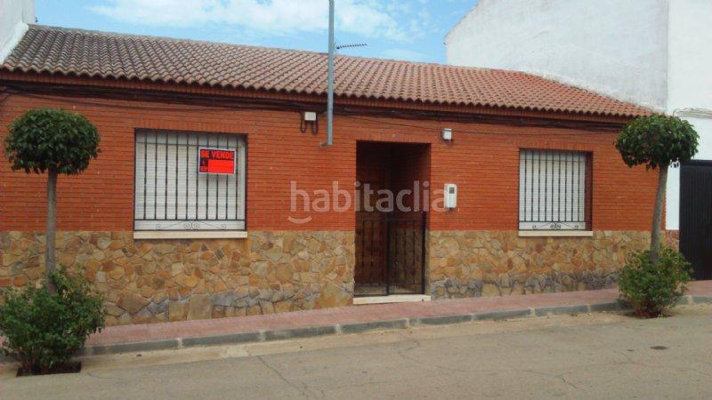 Casa por de 180 metros calle ancha 32 casa de for Fachadas de casas de pueblo