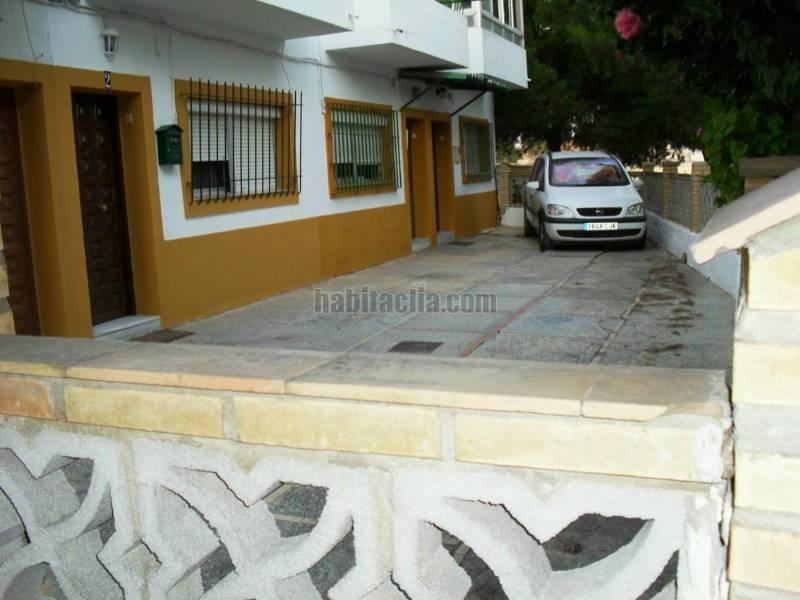 Alquiler casa adosada por 350 en calle jorge manrique de dos plantas en jerez en jerez de la - Alquiler casa jerez ...