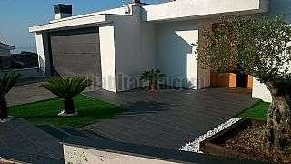 Villa in Carrer sant quirze, 69. Espectacular casa de diseño con vistas al mar.
