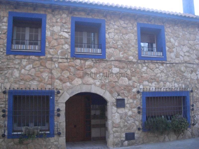 Casa por en carrer mossen josep maria jane de - Fachadas de casas de pueblo ...