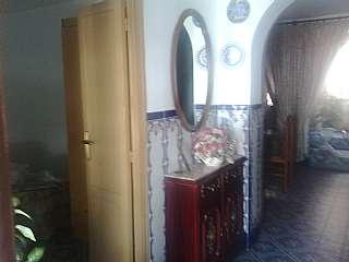 Casa pareada en Altozano, 74. Se vende casa reformada y amueblada
