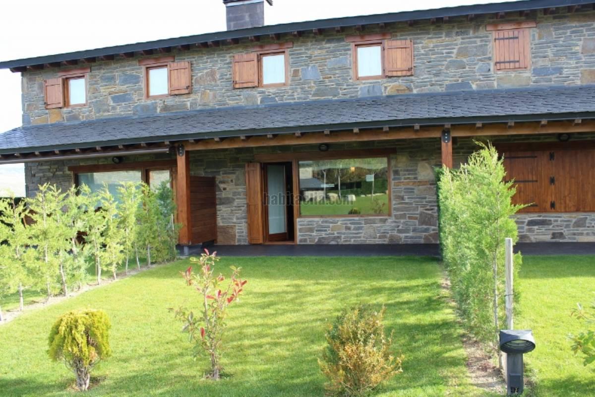 Alquiler casa adosada por 895 en urbanizacion prats de cerdanya con zona comunitaria en sainte - Alquiler casa puigcerda ...
