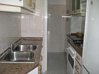 Alquiler Apartamento en Travessera sant pere, 13. Vivienda muy luminosa y bien comunicada