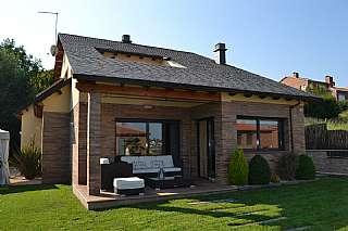 Alquiler Casa en C/estanys detristaina, 16. Se alquila casa espectacular, nueva!!