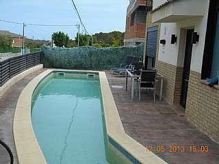 Casa en Carrer tulipa, 7. Chalet independiente con piscina