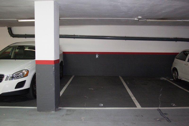 Parking coche por en tapioles buena plaza en buen - Comprar parking en barcelona ...