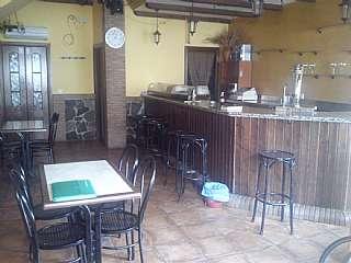 Bar en Calle calvo sotelo, 28. Vendo bar y apartamento en casas de miravete