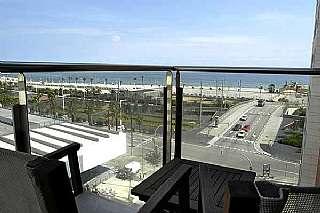 Alquiler �tico  Carrer bac de roda, 1. �tico primera l�nea de mar y excelentes vistas