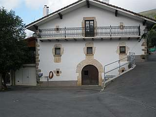 Casa en Caserio alkatenekoborda, 10. Caserio reformado con 30.000 m2 de terreno