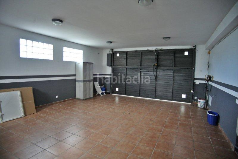 Casa por de 260 metros romanins 17 casa de for Garajes por dentro