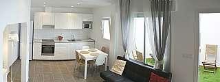 Alquiler Casa en Carrer consolat de mar, 63. Casa reformada. disponible desde ene/17-may/17