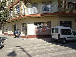 Local Comercial a Avenida pais valencia (del), 73. Local comercial de 400m2 y un patio con 150m2