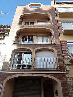 Edificio en Carrer raval, 67