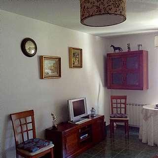 Apartamento en Barrio pamentar, 1. Buen precio,para entrar y muy bien situado.