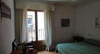 Casa en Calle elvira, 114. Venta de vivienda para negocio o dividirla